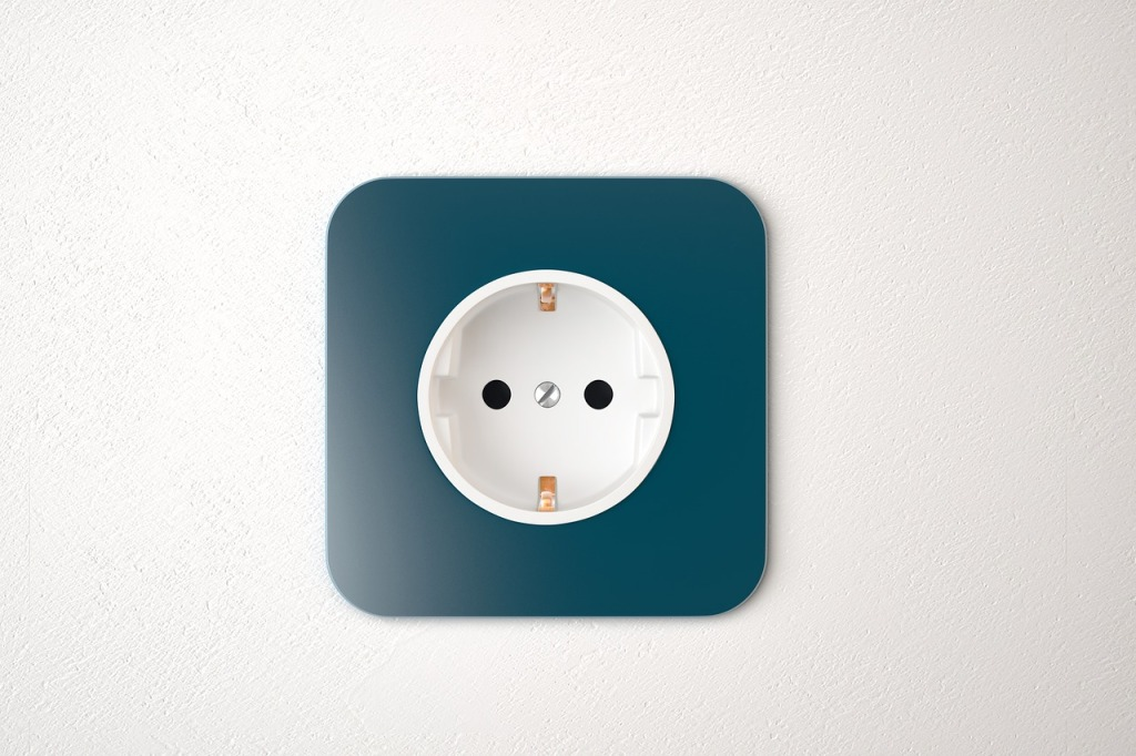Prise électrique murale bleue
