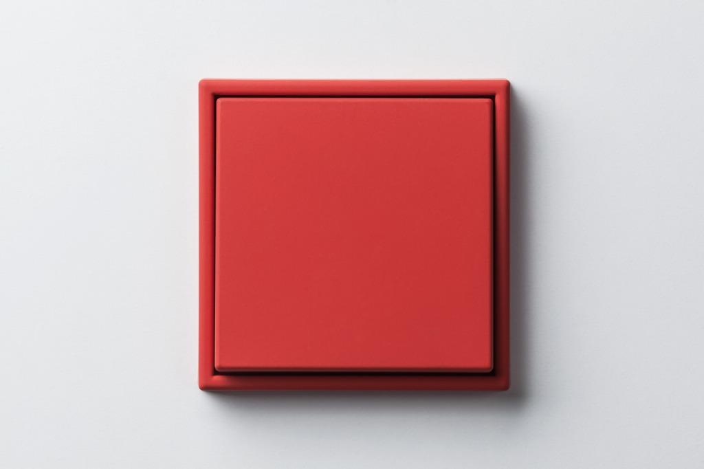 Interrupteur mural rouge