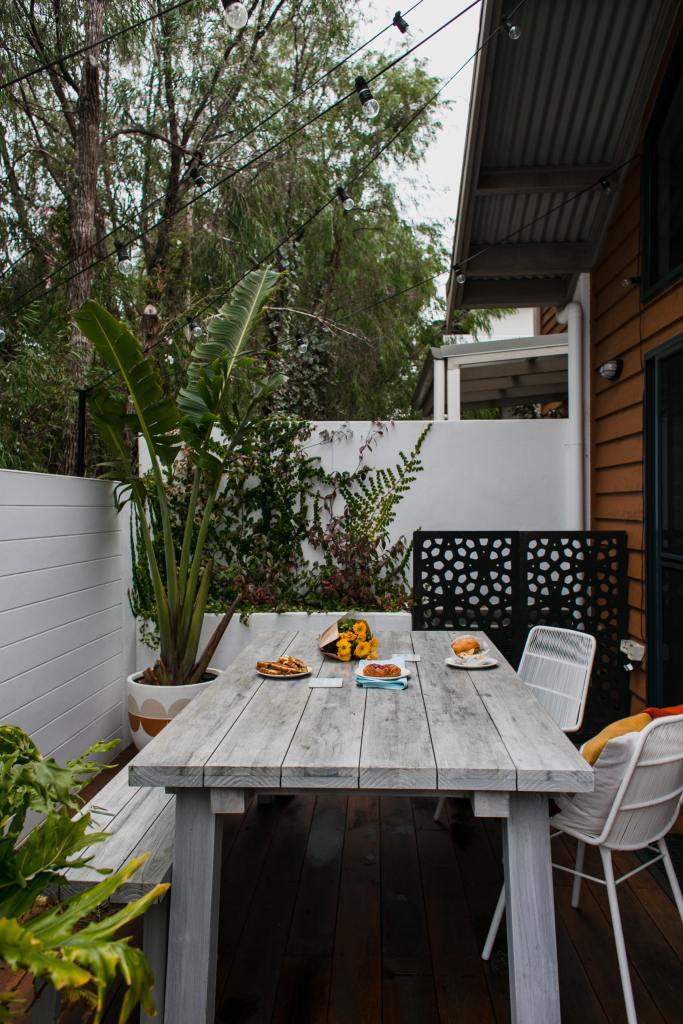 Table et chaises salon de jardin