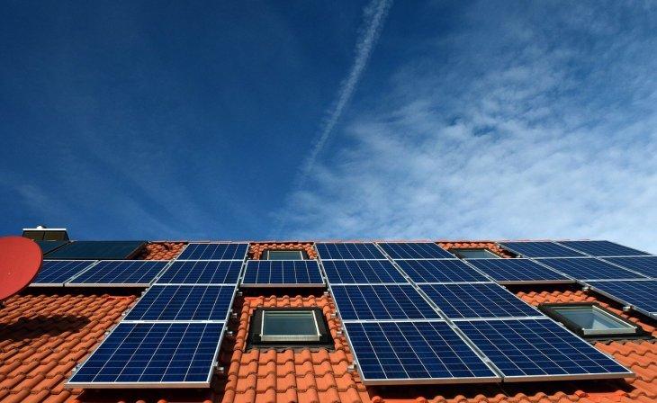 Panneaux solaires photovoltaique toit