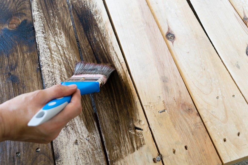 Peinture spécifique spéciale bois